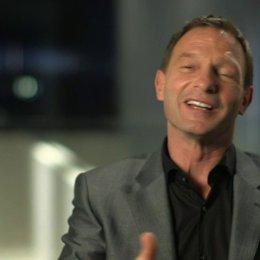 Thomas Kretschmann über seine Rolle Teil 2 - OV-Interview Poster