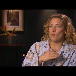 KATE HUDSON -Marley Corbett- über die Dreharbeiten - OV-Interview Poster