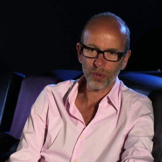 Eric Fellner über die Suche nach den geeigneten Kinderdarstellern - OV-Interview Poster