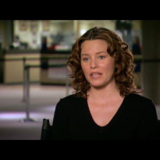 Elizabeth Banks (Lara Brennan) über ihre Rolle - OV-Interview Poster
