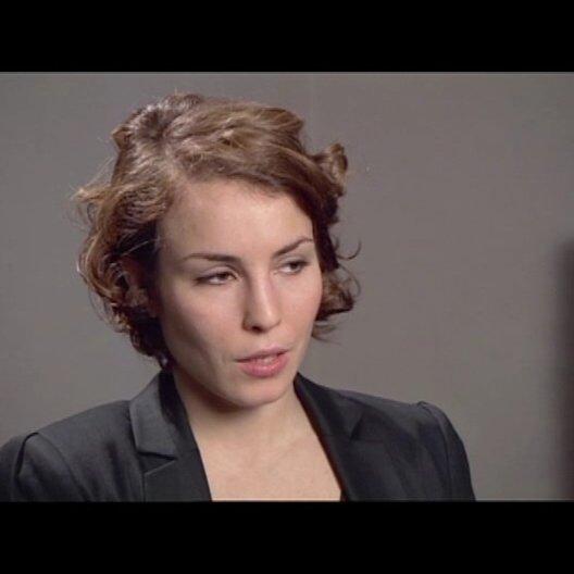 Noomi Rapace (Lisbeth Salander) über die Besonderheit, eine so populäre Figur, wie Lisbeth, zu spielen - OV-Interview Poster