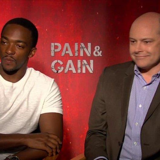 Anthony Mackie und Rob Corddry - Adrian Doorbal und John Mese - über die Thematik des Films - OV-Interview Poster
