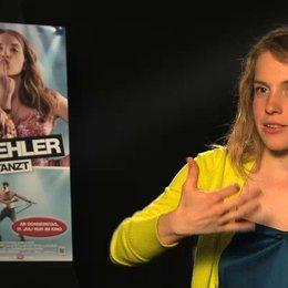 Paula Kalenberg über ihre Vorbereitung auf die Rolle - Interview Poster