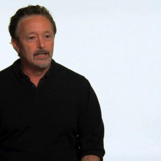 Jason Clark über die Beziehung zwischen John und Ted - OV-Interview Poster