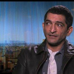 Amr Waked - Pierre del Rio - über seine Verpflichtung - OV-Interview Poster