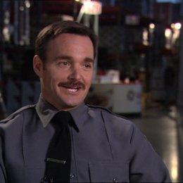Will Forte - Sgt. Bressman - über das, was den Zuschauer erwartet - OV-Interview Poster