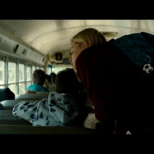 Cassie verpasst den Bus - Szene
