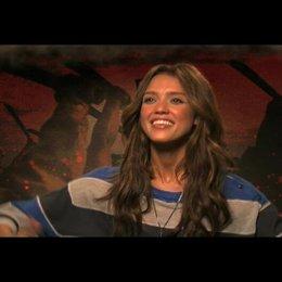 Jessica Alba über Robert Rodriguez Ideen - OV-Interview Poster