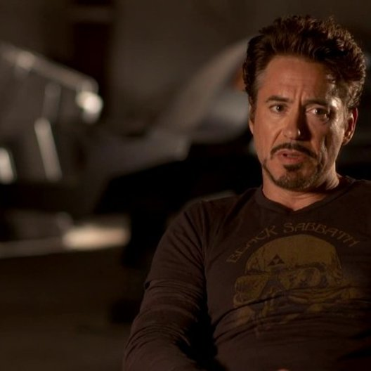 Robert Downey Jr - Tony Stark - Iron Man über Regisseur Joss Whedon - OV-Interview