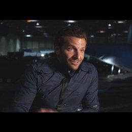 """Bradley Cooper - """"Faceman"""" über die Charaktere aus der TV-Serie und im Film - OV-Interview Poster"""