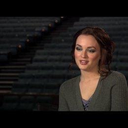 """Leighton Meester (""""Chiles Stanton"""") über ihre erste Reaktion auf das Drehbuch - OV-Interview Poster"""
