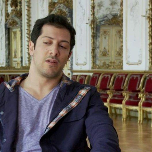 Fahri Yardim - Vincenzo Paolo über Evi und Vincenzo - Interview Poster