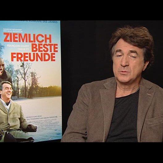 Francois Cluzet (Philippe) über das Zusammenspiel mit Omar Sy - OV-Interview Poster