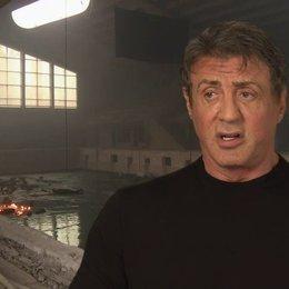 Sylvester Stallone - Barney Ross - darüber, die neuen Expendables zu besetzen - OV-Interview