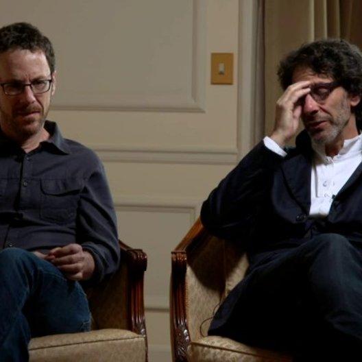 Ethan und Joel Coen - Regisseure - über das Casting von Carey Mulligan - OV-Interview Poster
