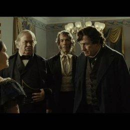 Mary Todd Lincoln und Thaddeus Stevens auf dem Ball - Szene