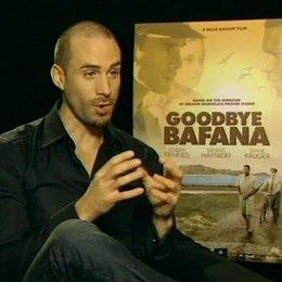 Joseph Fiennes (James Gregory) über das Verhältnis seiner Rolle zu Nelson Mandela und seine Vorbereitungen für den Film - OV-Interview Poster