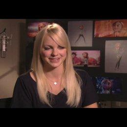 Faris über ihre Freude an dem Film zu arbeiten - OV-Interview