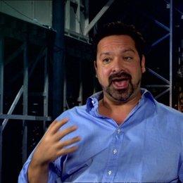 Regisseur über die Action im Film - OV-Interview