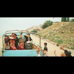 Hüseyin nimmt seine Familie mit nach Deutschland - Szene