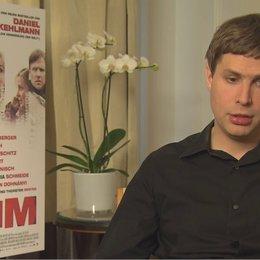 Daniel Kehlmann über das Zustandekommen der Verfilmung seines Romans - Interview Poster