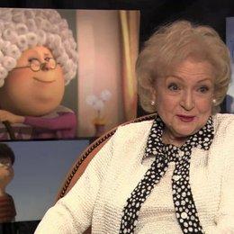 Betty White über ihre Rolle - OV-Interview Poster