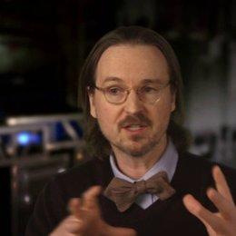 Matt Reeves - Regisseur - darüber, wo die Geschichte die Menschen und Affen findet - OV-Interview