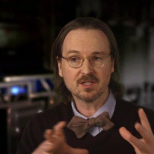 Matt Reeves - Regisseur - darüber, wo die Geschichte die Menschen und Affen findet - OV-Interview Poster