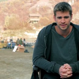 Liam Hemsworth -Billy The Kid Timmons- über die Arbeit mit Regisseur Simon West - OV-Interview