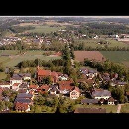 Flug über Herbertshausen - Szene