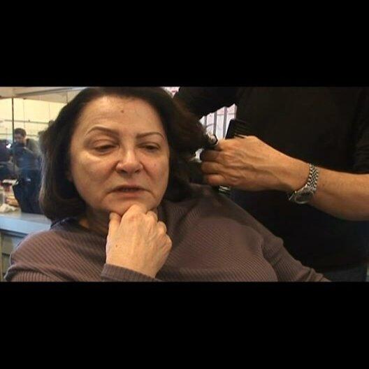 Josiane Balasko (Madame Michel) über die Entwicklung ihrer Figur durch die Begegnung mit Paloma - OV-Interview