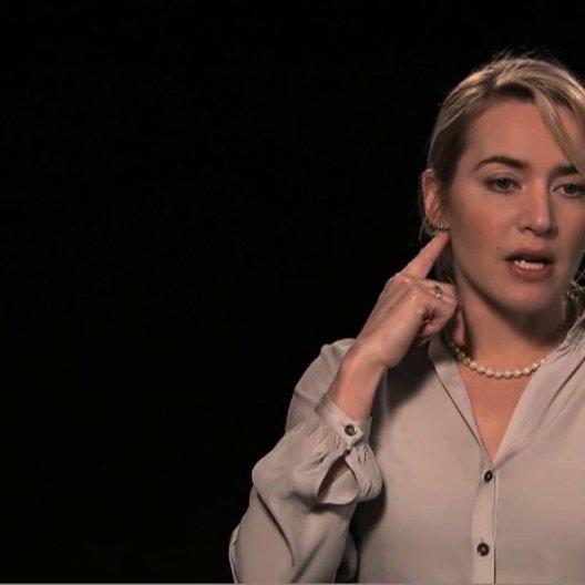 Kate Winslet über die täglichen Proben - OV-Interview Poster