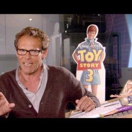 CHRISTIAN TRAMITZ / Ken über seine Lieblingsfigur Buzz als Spanisch sprechender Torero - Interview Poster