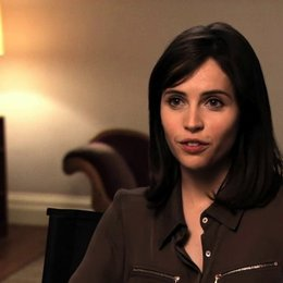 Felicity Jones über die Rolle Jane Hawking - OV-Interview