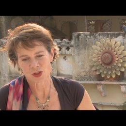 Celia Imrie - Madge - über ihre Rolle - OV-Interview