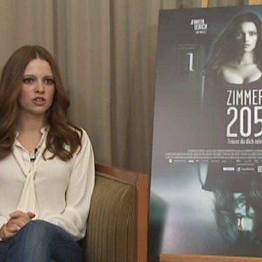 Jennifer Ulrich (Katrin) über die Herausforderungen dieser Rolle - Interview Poster