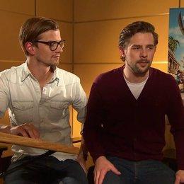 Joko & Klaas (Black Bellamy & Holzbein Hastings) Klaas über die Umsetzung seiner Rolle - Interview Poster