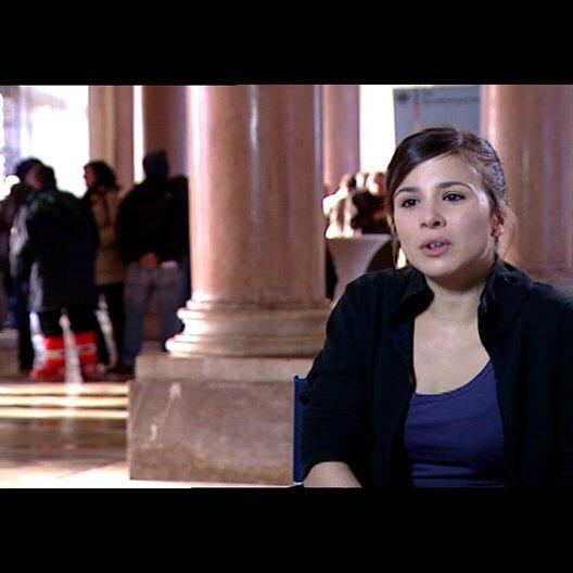 Aylin Tezel (Canan) über Cenk - Interview