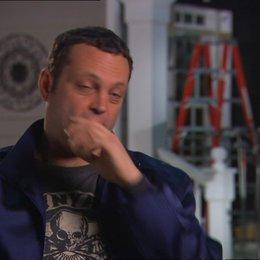 Vince Vaughn - Bob - über das, was ihn am Film interessierte - OV-Interview Poster