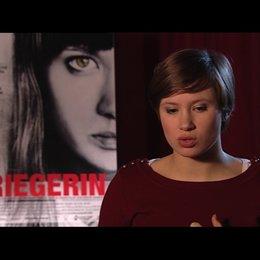 Alina Levshin über die Authentizität des Films - Interview Poster