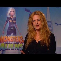Diana Amft / über den Spass am Film MONSTERS vs ALIENS - Interview Poster