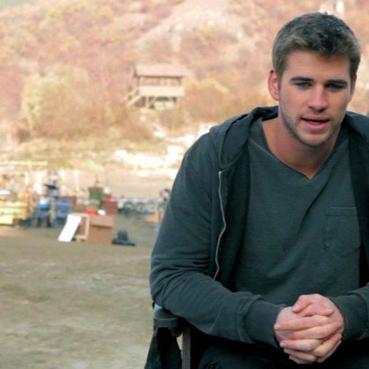 Liam Hemsworth -Billy The Kid Timmons- über seine Vorbereitungen auf die Rolle - OV-Interview