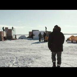 Artur beschreibt das Video - Szene Poster