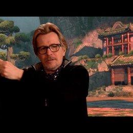 Gary Oldman (Originalstimme Lord Shen) über Lord Shen 2 - OV-Interview Poster