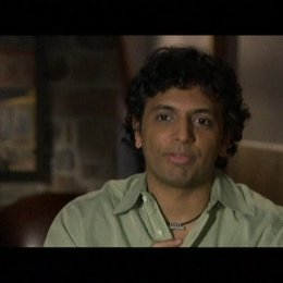 Interview mit Regisseur M. Night Shyamalan - OV-Interview Poster