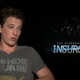 Miles Teller - Peter - was Peter in Insurgent motiviert - OV-Interview Poster
