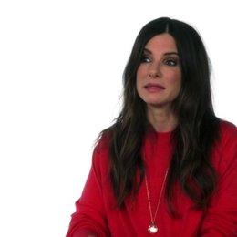 Sandra Bullock - Scarlet Overkill -  über die Arbeit mit Kevin, Stuart und Bob - OV-Interview