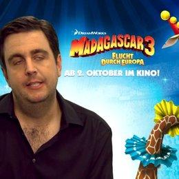 Bastian Pastewka - Melman - worauf er sich bei MADAGASCAR 3 gefreut hat - Interview Poster