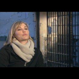 Leslie Bibb über Sarahs Beziehung zu Nick - OV-Interview