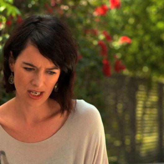 Lena Headey über ihre Reaktion auf das Drehbuch - OV-Interview Poster